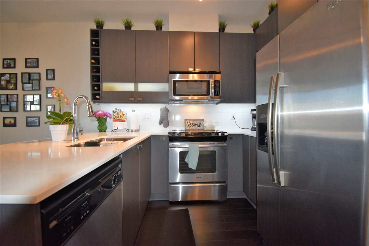 """Photo 7: Photos: 401 5655 210A Street in Langley: Salmon River Condo for sale in """"Cornerstone North"""" : MLS®# R2335974"""