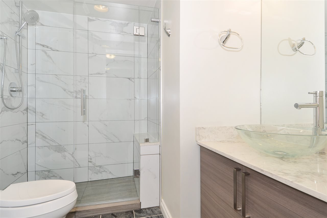 """Photo 13: Photos: 1106 950 CAMBIE Street in Vancouver: Yaletown Condo for sale in """"Pacific Place Landmark I in Yaletown"""" (Vancouver West)  : MLS®# R2339824"""
