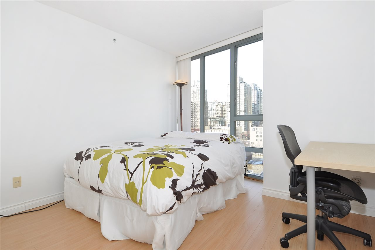 """Photo 14: Photos: 1106 950 CAMBIE Street in Vancouver: Yaletown Condo for sale in """"Pacific Place Landmark I in Yaletown"""" (Vancouver West)  : MLS®# R2339824"""