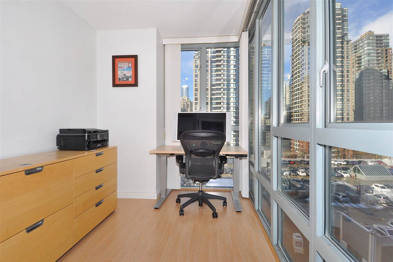 """Photo 17: Photos: 1106 950 CAMBIE Street in Vancouver: Yaletown Condo for sale in """"Pacific Place Landmark I in Yaletown"""" (Vancouver West)  : MLS®# R2339824"""