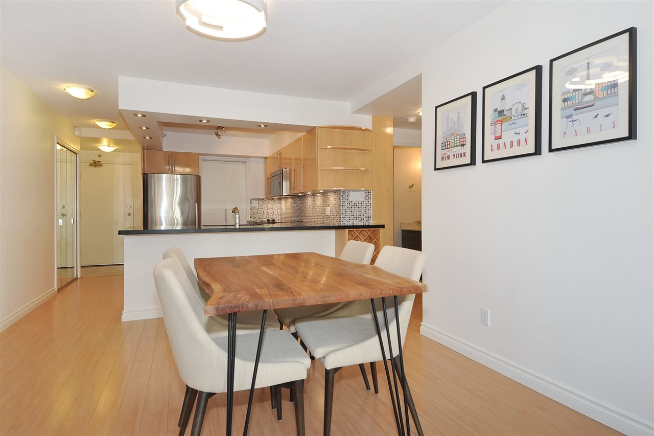 """Photo 6: Photos: 1106 950 CAMBIE Street in Vancouver: Yaletown Condo for sale in """"Pacific Place Landmark I in Yaletown"""" (Vancouver West)  : MLS®# R2339824"""