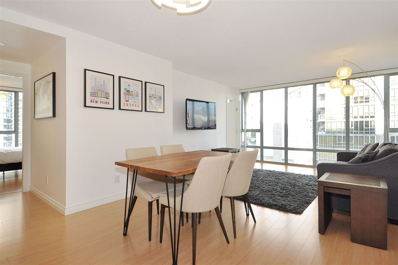 """Photo 5: Photos: 1106 950 CAMBIE Street in Vancouver: Yaletown Condo for sale in """"Pacific Place Landmark I in Yaletown"""" (Vancouver West)  : MLS®# R2339824"""