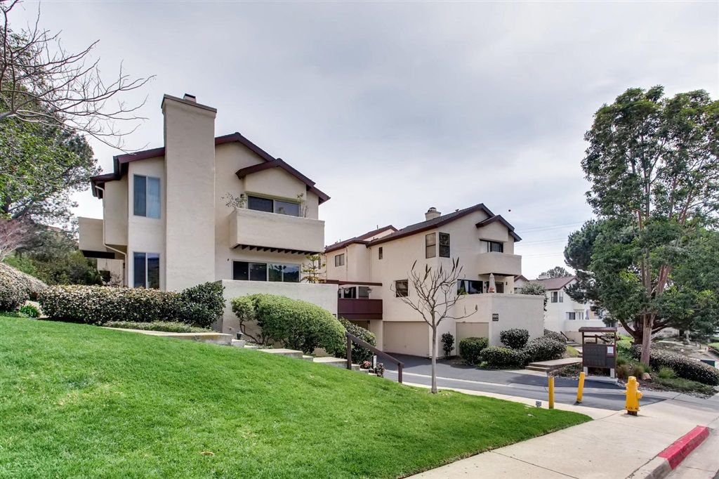 Main Photo: LINDA VISTA Townhome for sale : 1 bedrooms : 6665 Canyon Rim Row #223 in San Diego