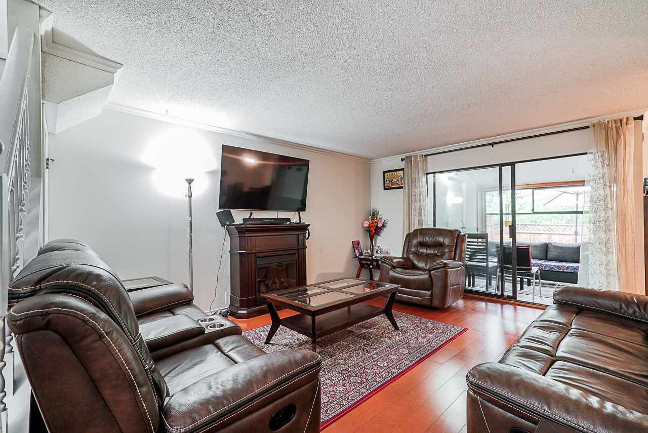 """Main Photo: 58 8555 KING GEORGE Boulevard in Surrey: Queen Mary Park Surrey Townhouse for sale in """"BEAR CREEK VILLAGE"""" : MLS®# R2366246"""