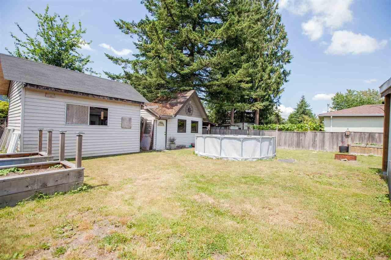 "Photo 15: Photos: 11669 STEEVES Street in Maple Ridge: Southwest Maple Ridge House for sale in ""SOUTHWEST MAPLE RIDGE"" : MLS®# R2384011"