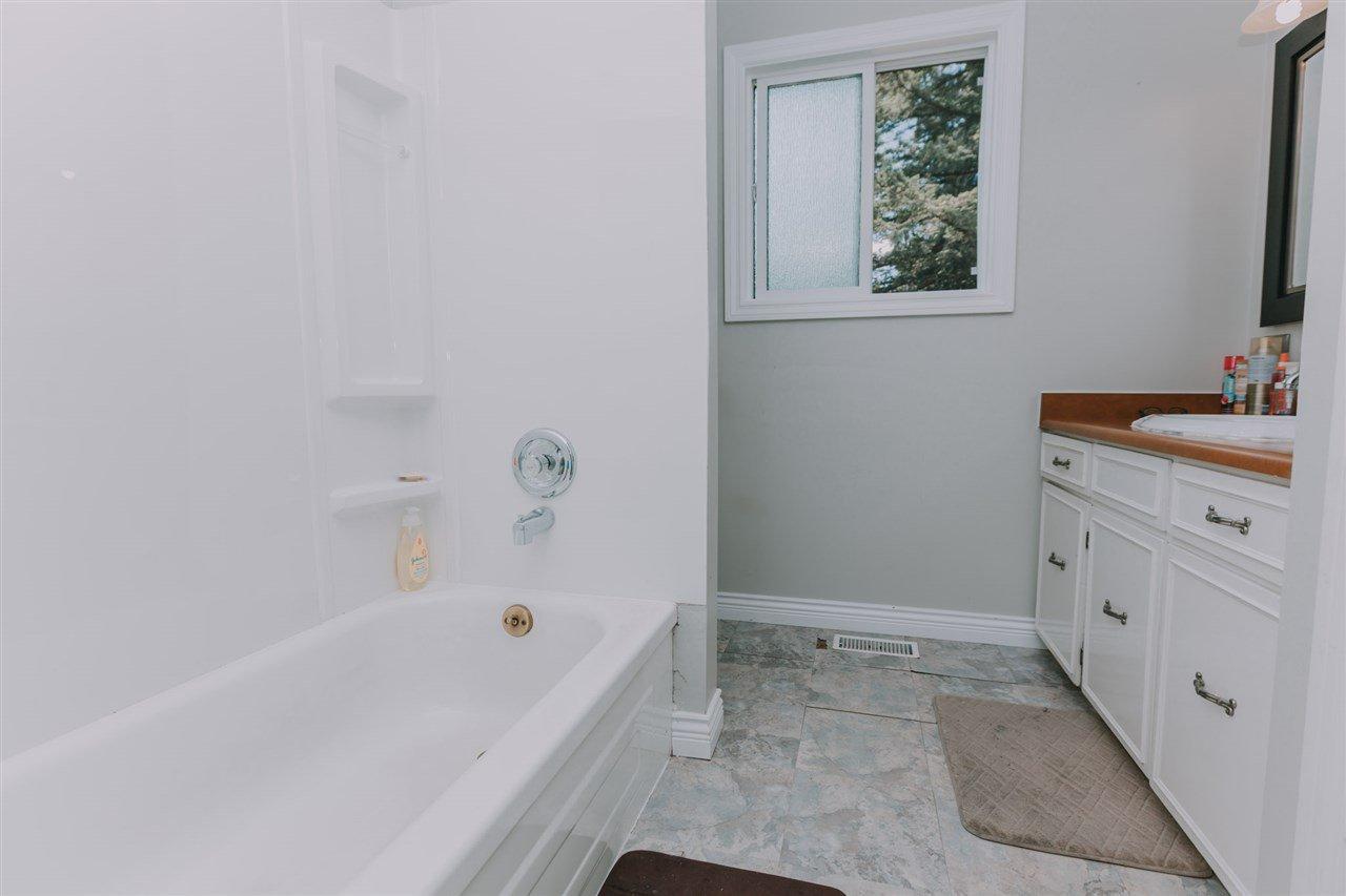 "Photo 12: Photos: 11669 STEEVES Street in Maple Ridge: Southwest Maple Ridge House for sale in ""SOUTHWEST MAPLE RIDGE"" : MLS®# R2384011"