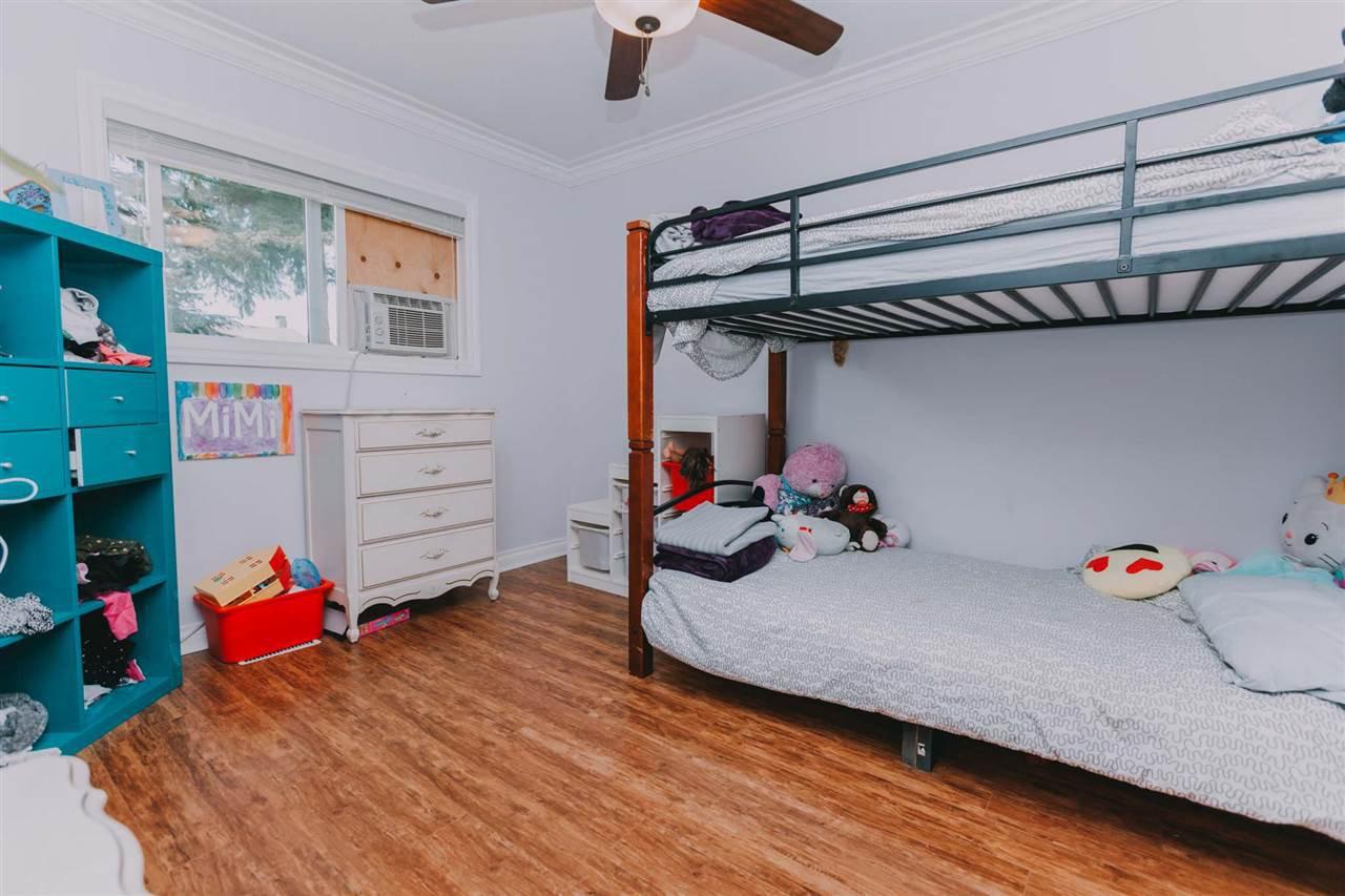 "Photo 10: Photos: 11669 STEEVES Street in Maple Ridge: Southwest Maple Ridge House for sale in ""SOUTHWEST MAPLE RIDGE"" : MLS®# R2384011"