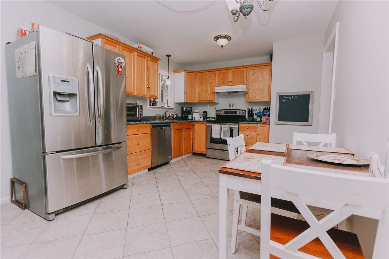 "Photo 5: Photos: 11669 STEEVES Street in Maple Ridge: Southwest Maple Ridge House for sale in ""SOUTHWEST MAPLE RIDGE"" : MLS®# R2384011"