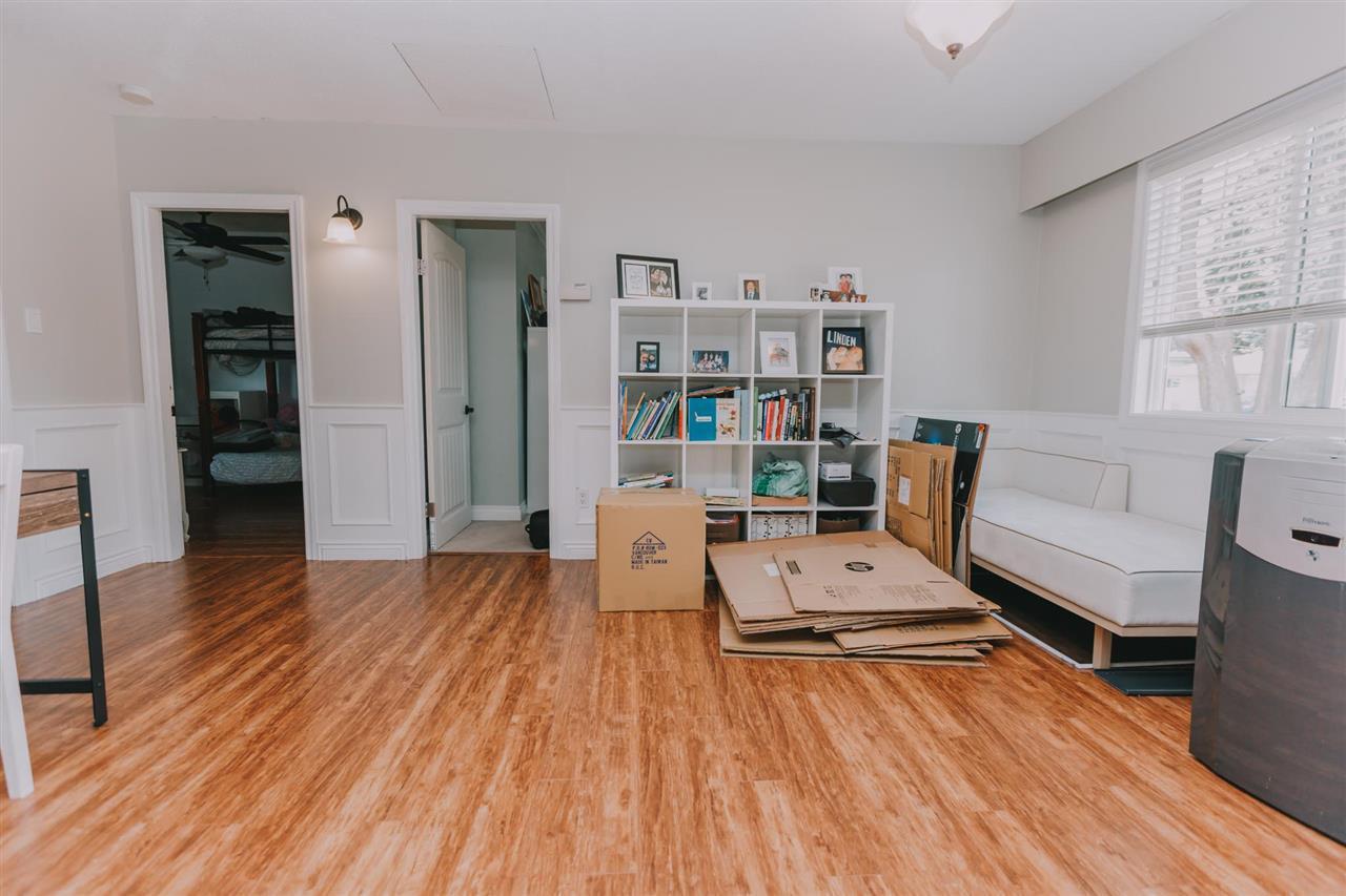 "Photo 4: Photos: 11669 STEEVES Street in Maple Ridge: Southwest Maple Ridge House for sale in ""SOUTHWEST MAPLE RIDGE"" : MLS®# R2384011"