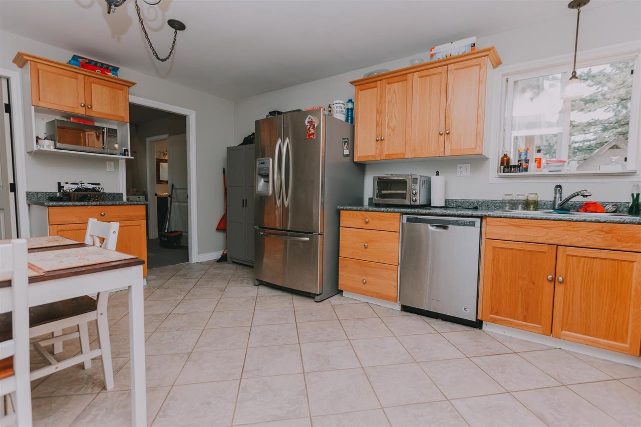 "Photo 6: Photos: 11669 STEEVES Street in Maple Ridge: Southwest Maple Ridge House for sale in ""SOUTHWEST MAPLE RIDGE"" : MLS®# R2384011"