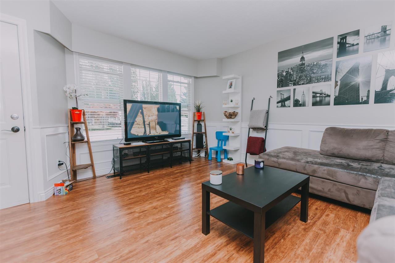 "Photo 2: Photos: 11669 STEEVES Street in Maple Ridge: Southwest Maple Ridge House for sale in ""SOUTHWEST MAPLE RIDGE"" : MLS®# R2384011"