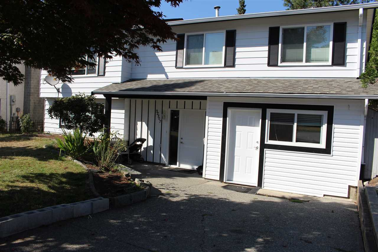 Main Photo: 32307 ADAIR Avenue in Abbotsford: Abbotsford West House for sale : MLS®# R2399510