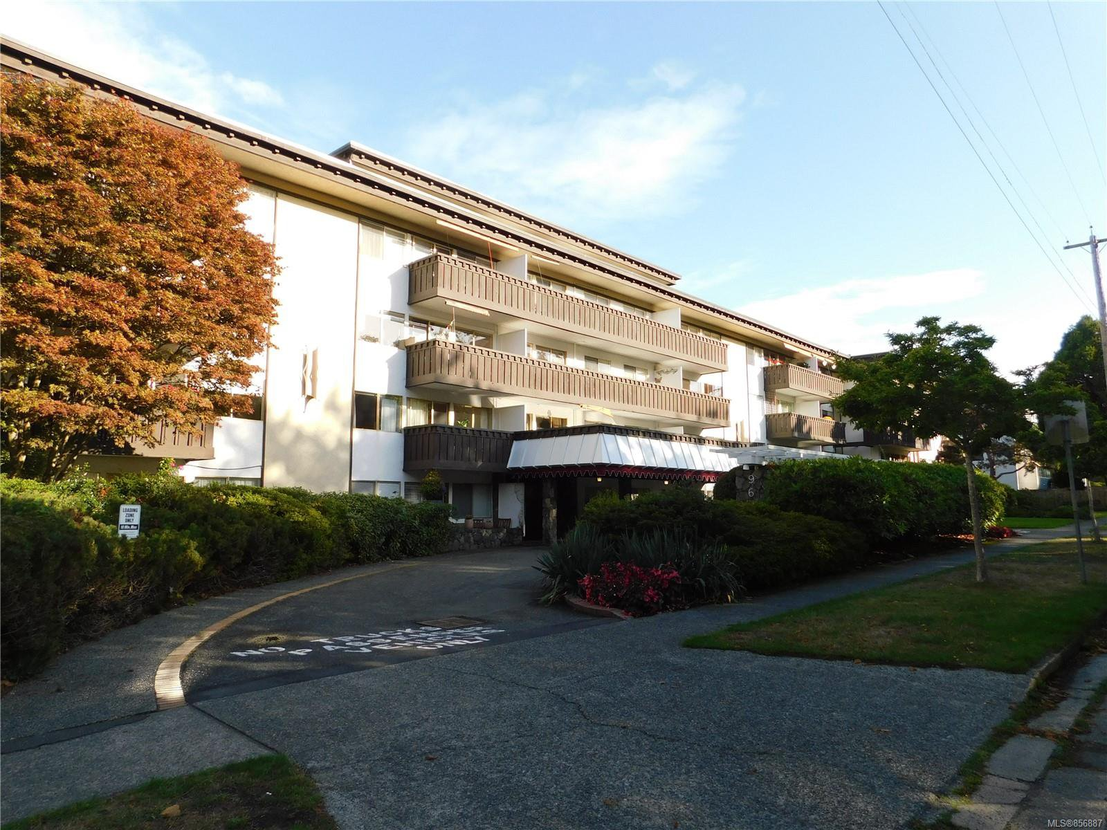 Main Photo: 216 964 Heywood Ave in : Vi Fairfield West Condo for sale (Victoria)  : MLS®# 856887
