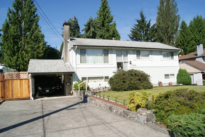 Main Photo: 2609 POPLYNN Drive in North Vancouver: Westlynn House for sale : MLS®# V911683
