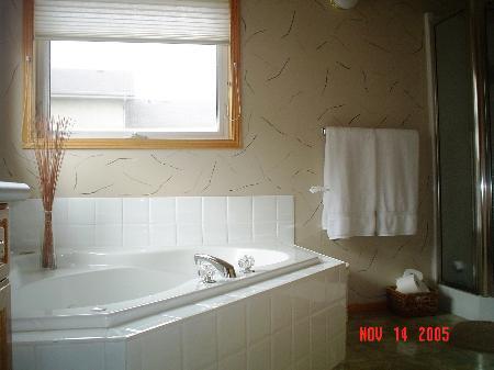 Photo 6: Photos: 39 Bridgeway Cres.: Residential for sale (Royalwood)  : MLS®# 2518109