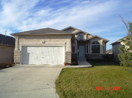Main Photo: 39 Bridgeway Cres.: Residential for sale (Royalwood)  : MLS®# 2518109