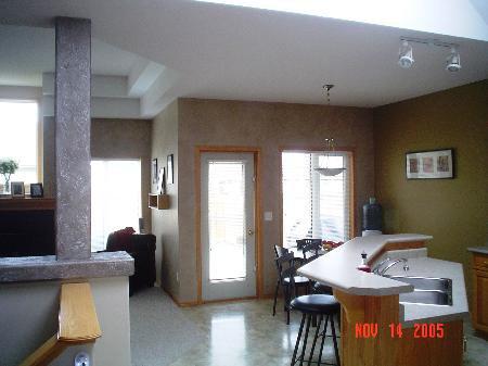Photo 3: Photos: 39 Bridgeway Cres.: Residential for sale (Royalwood)  : MLS®# 2518109