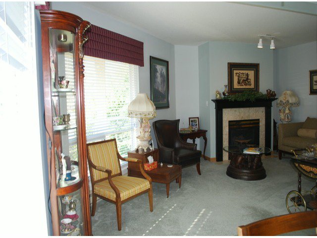 """Photo 3: Photos: 305 1255 BEST Street: White Rock Condo for sale in """"The Ambassador"""" (South Surrey White Rock)  : MLS®# F1405579"""