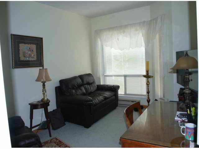 """Photo 7: Photos: 305 1255 BEST Street: White Rock Condo for sale in """"The Ambassador"""" (South Surrey White Rock)  : MLS®# F1405579"""
