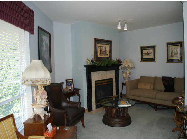 """Photo 2: Photos: 305 1255 BEST Street: White Rock Condo for sale in """"The Ambassador"""" (South Surrey White Rock)  : MLS®# F1405579"""