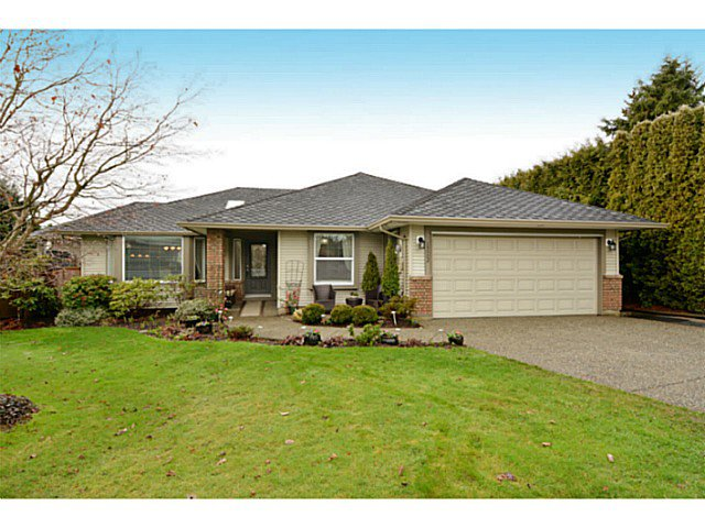 """Main Photo: 13502 14A Avenue in Surrey: Crescent Bch Ocean Pk. House for sale in """"Ocean Park"""" (South Surrey White Rock)  : MLS®# F1432192"""