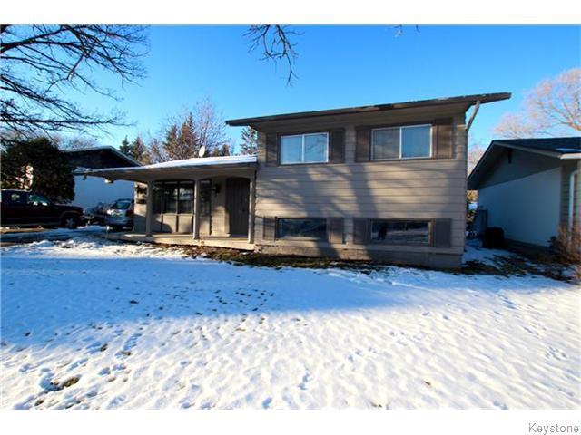 Main Photo: 93 Woodbury Drive in WINNIPEG: St Vital Residential for sale (South East Winnipeg)  : MLS®# 1531097