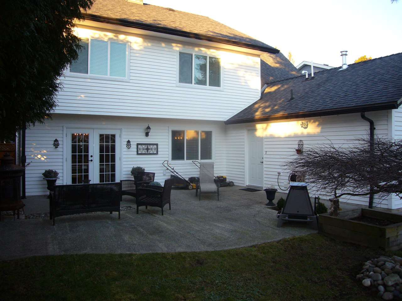 """Photo 19: Photos: 14532 16A Avenue in Surrey: Sunnyside Park Surrey House for sale in """"THE GLENS"""" (South Surrey White Rock)  : MLS®# R2023694"""