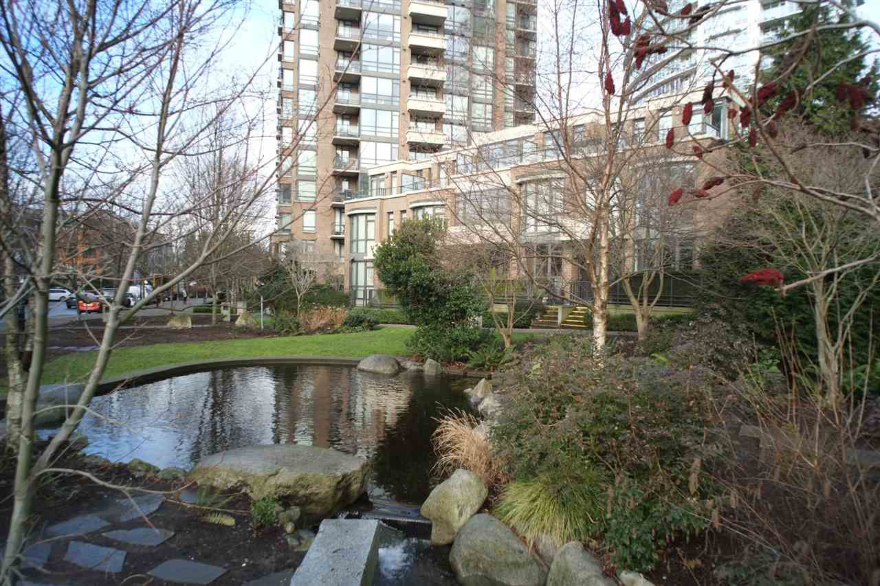 "Photo 15: Photos: 162 W 1ST Street in North Vancouver: Lower Lonsdale Townhouse for sale in ""ONE PARK LANE"" : MLS®# R2024415"