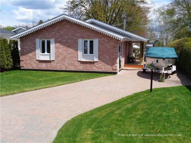 Main Photo: 37 Lake Avenue in Ramara: Brechin House (Bungalow) for sale : MLS®# X3501009