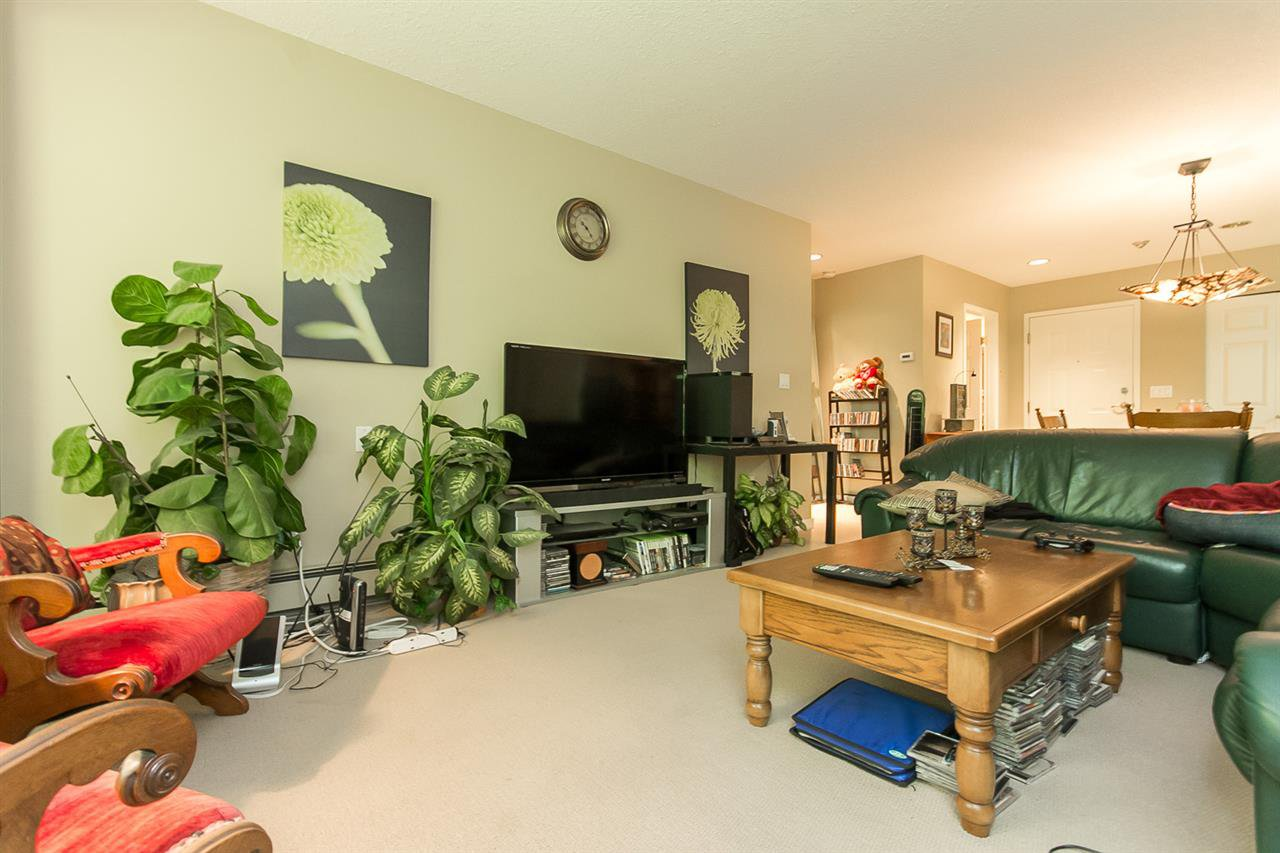 "Photo 9: Photos: 316 2700 MCCALLUM Road in Abbotsford: Central Abbotsford Condo for sale in ""The Seasons"" : MLS®# R2088623"