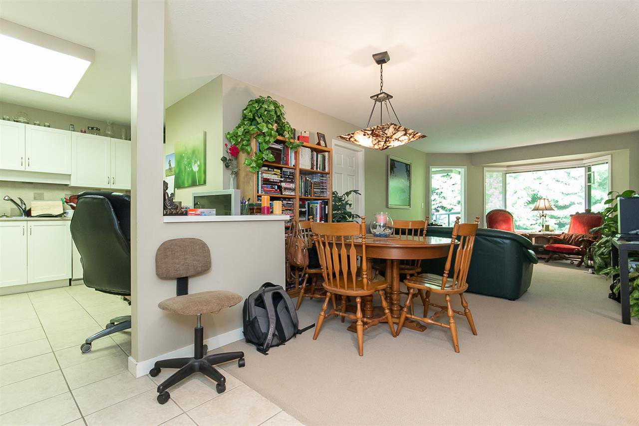 "Photo 4: Photos: 316 2700 MCCALLUM Road in Abbotsford: Central Abbotsford Condo for sale in ""The Seasons"" : MLS®# R2088623"