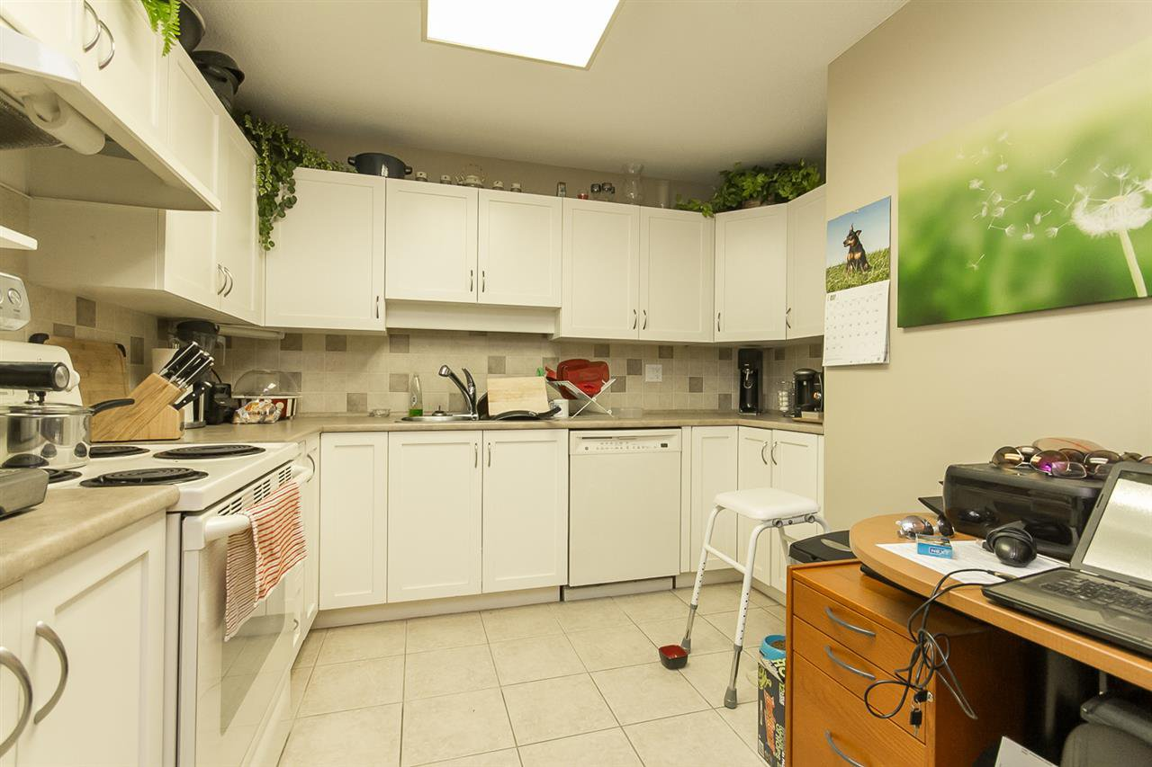 "Photo 5: Photos: 316 2700 MCCALLUM Road in Abbotsford: Central Abbotsford Condo for sale in ""The Seasons"" : MLS®# R2088623"