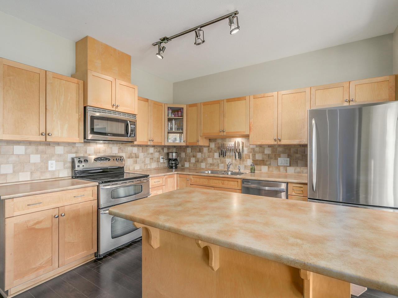 "Photo 6: Photos: 2 23233 KANAKA Way in Maple Ridge: Cottonwood MR Townhouse for sale in ""RIVERWOOD"" : MLS®# R2112549"