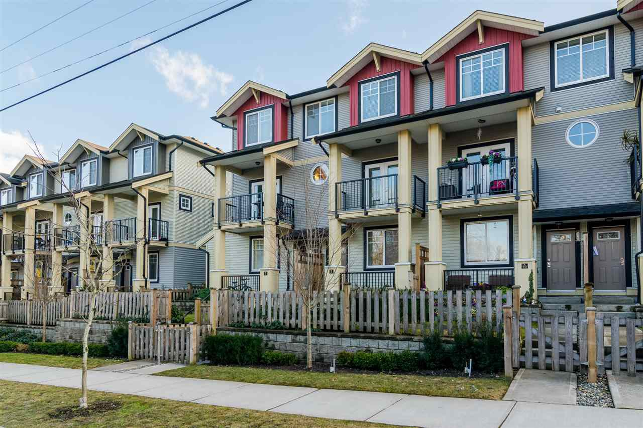 """Main Photo: 9 13886 62 Avenue in Surrey: Sullivan Station Townhouse for sale in """"FUSION BY LAKEWOOD"""" : MLS®# R2140969"""
