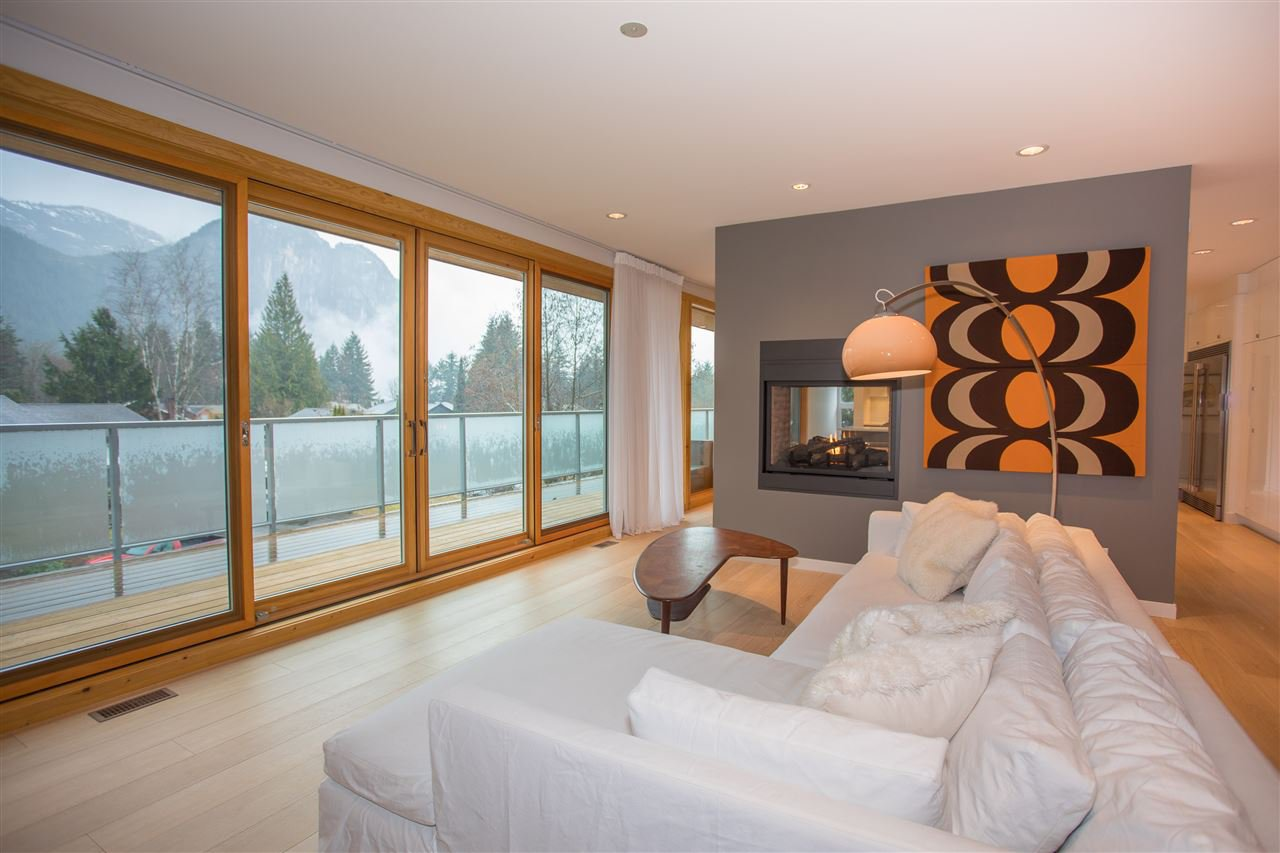 """Main Photo: 38495 SKY PILOT Drive in Squamish: Plateau House for sale in """"Crumpit Woods"""" : MLS®# R2188455"""