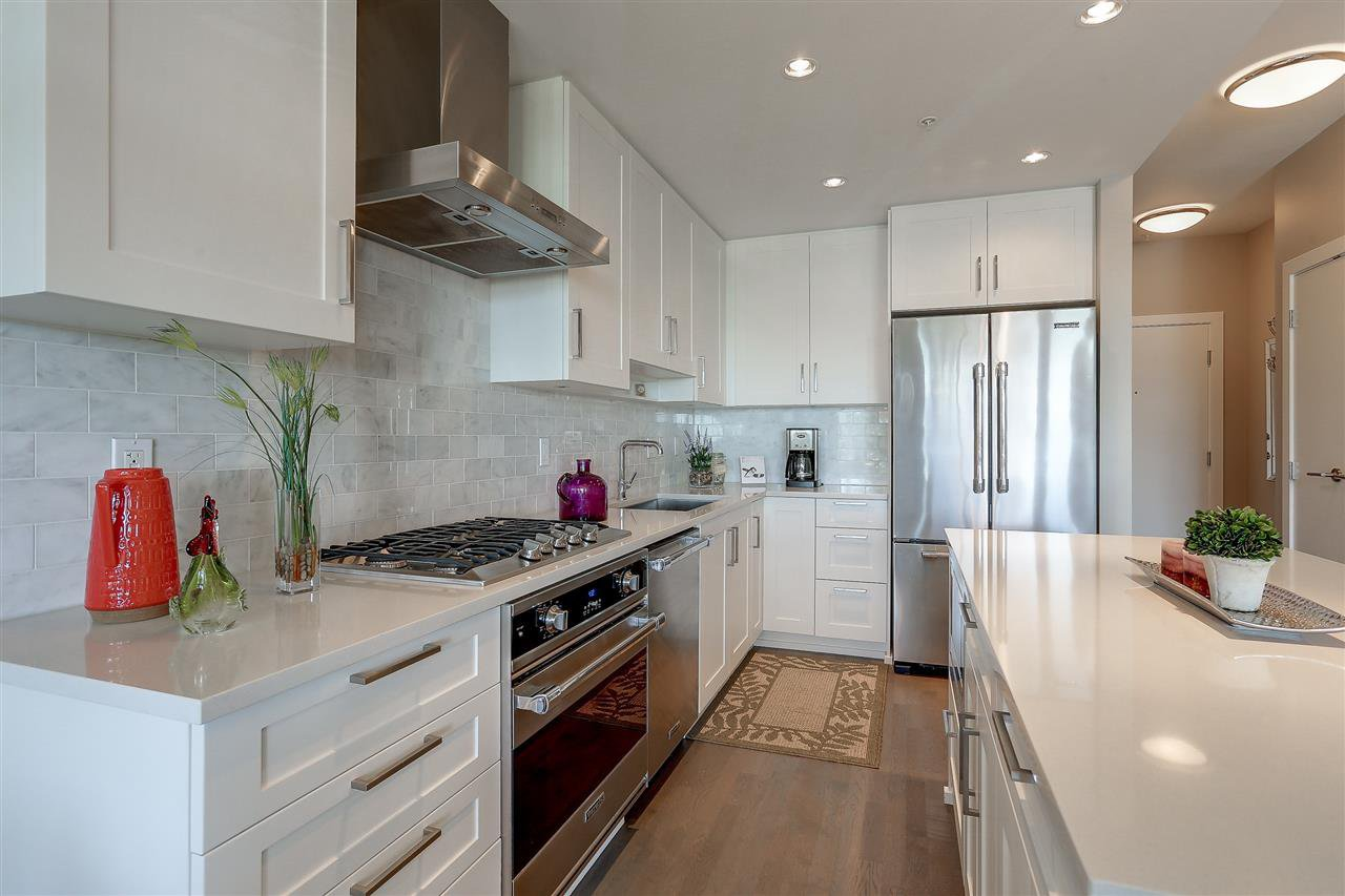 """Photo 4: Photos: 309 1420 JOHNSTON Road: White Rock Condo for sale in """"SALTAIRE"""" (South Surrey White Rock)  : MLS®# R2192955"""