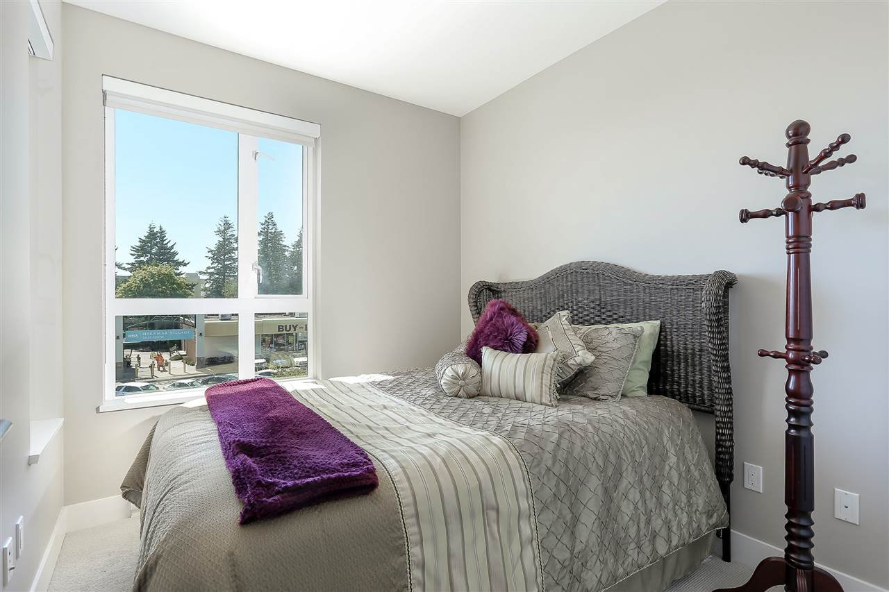 """Photo 17: Photos: 309 1420 JOHNSTON Road: White Rock Condo for sale in """"SALTAIRE"""" (South Surrey White Rock)  : MLS®# R2192955"""