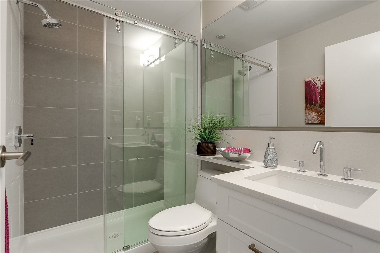 """Photo 19: Photos: 309 1420 JOHNSTON Road: White Rock Condo for sale in """"SALTAIRE"""" (South Surrey White Rock)  : MLS®# R2192955"""