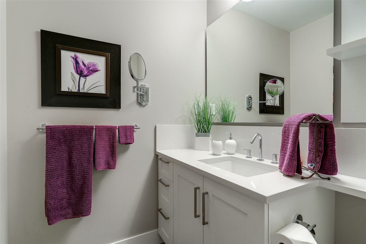 """Photo 15: Photos: 309 1420 JOHNSTON Road: White Rock Condo for sale in """"SALTAIRE"""" (South Surrey White Rock)  : MLS®# R2192955"""