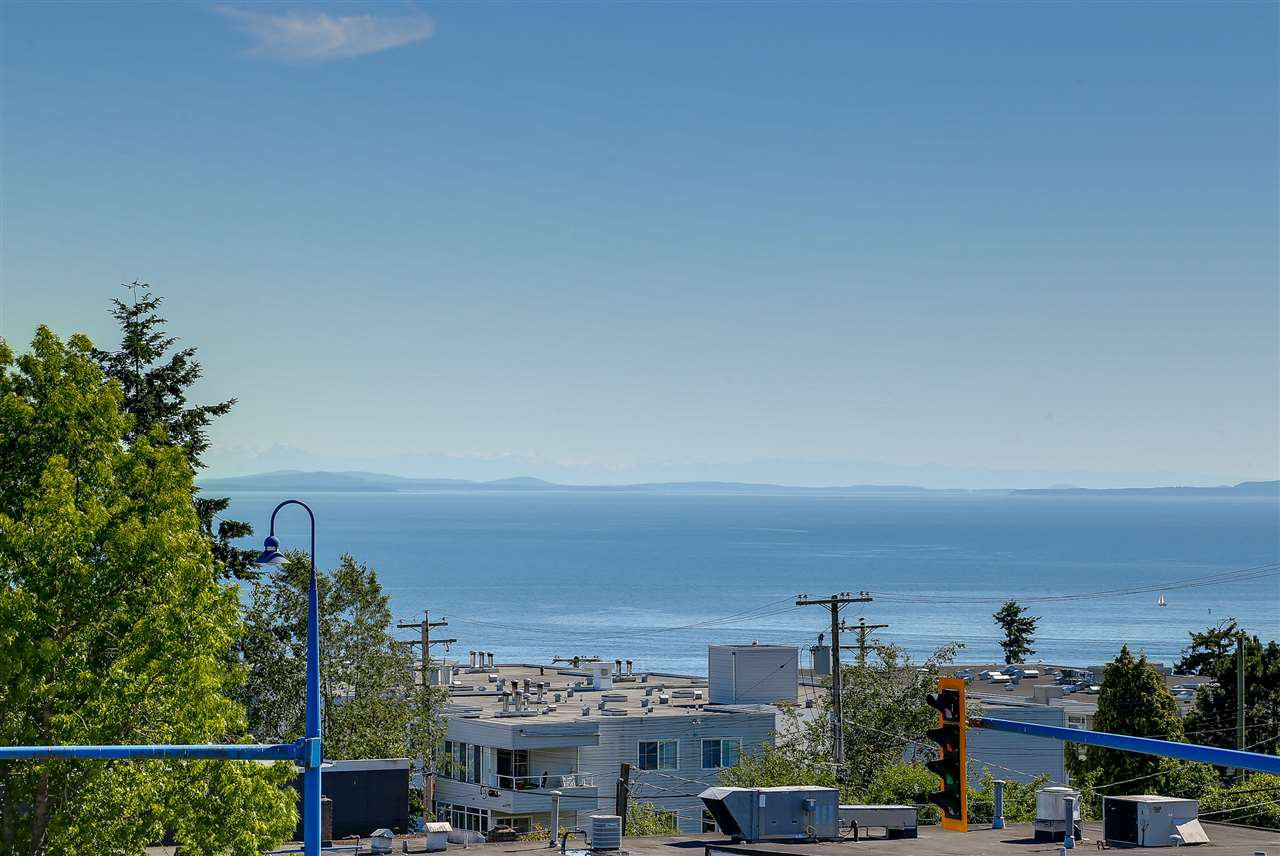 """Photo 11: Photos: 309 1420 JOHNSTON Road: White Rock Condo for sale in """"SALTAIRE"""" (South Surrey White Rock)  : MLS®# R2192955"""