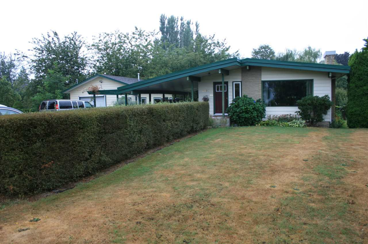 Main Photo: 7423 CRESTWOOD Drive in Sardis: Sardis West Vedder Rd House for sale : MLS®# R2203997