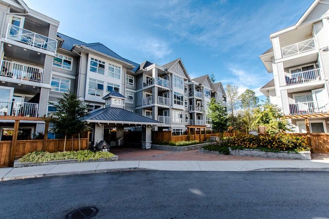 "Main Photo: 301 3136 ST JOHNS Street in Port Moody: Port Moody Centre Condo for sale in ""SONRISA"" : MLS®# R2205822"