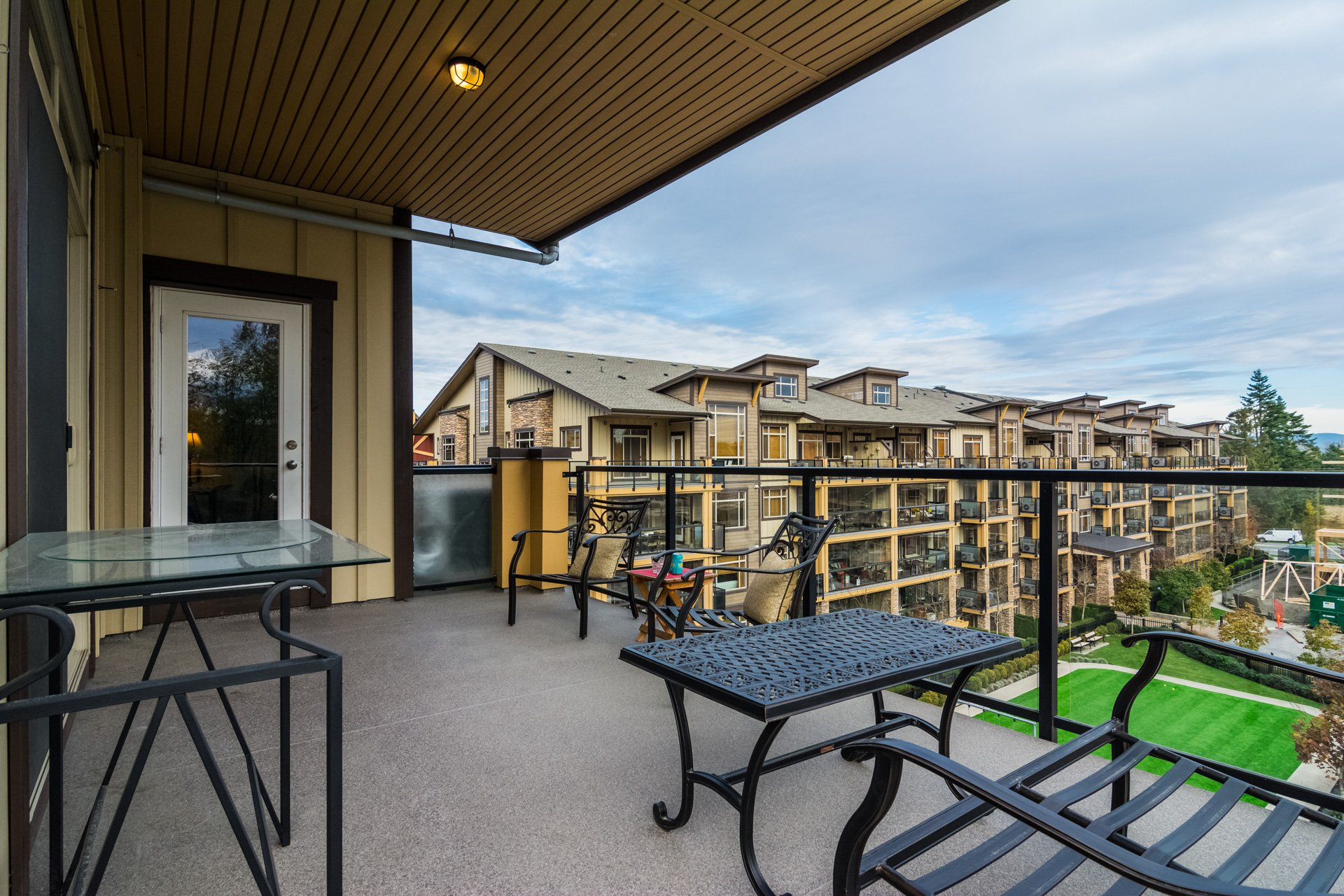 "Photo 32: Photos: 509 8258 207A Street in Langley: Willoughby Heights Condo for sale in ""YORKSON CREEK (BLG A)"" : MLS®# R2221052"
