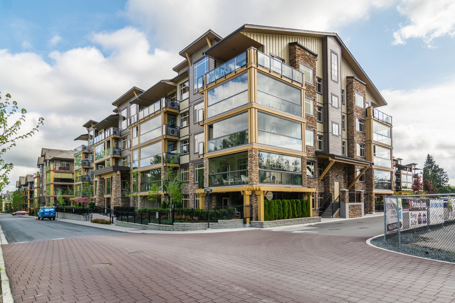 "Photo 2: Photos: 509 8258 207A Street in Langley: Willoughby Heights Condo for sale in ""YORKSON CREEK (BLG A)"" : MLS®# R2221052"