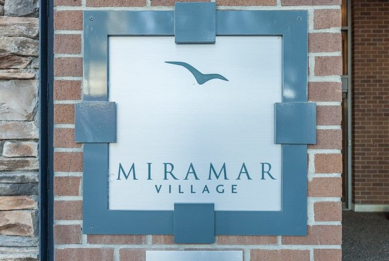 "Main Photo: 1105 1473 JOHNSTON Road: White Rock Condo for sale in ""Miramar Village-Tower B"" (South Surrey White Rock)  : MLS®# R2241122"