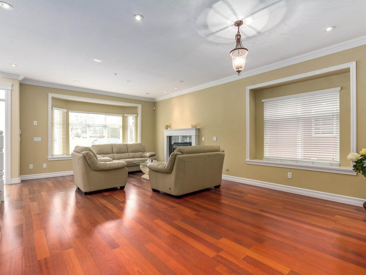 "Photo 5: Photos: 5749 CREE Street in Vancouver: Main House for sale in ""Main"" (Vancouver East)  : MLS®# R2241377"