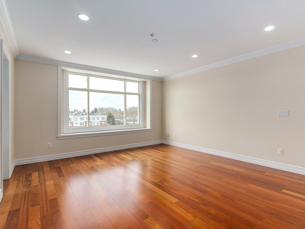 "Photo 12: Photos: 5749 CREE Street in Vancouver: Main House for sale in ""Main"" (Vancouver East)  : MLS®# R2241377"