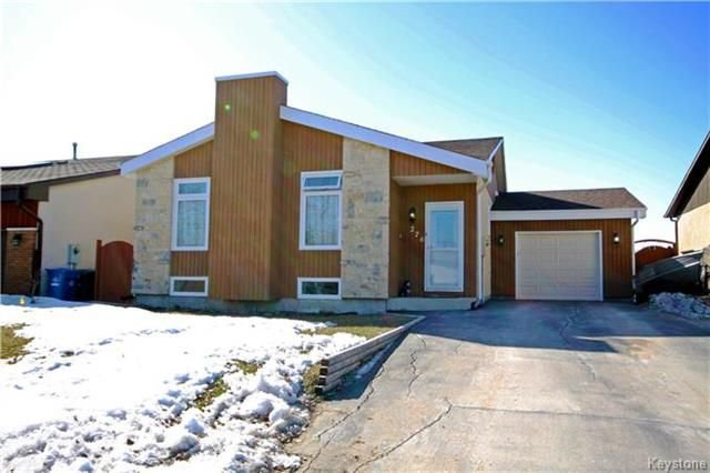 Main Photo: 276 Alex Taylor Drive in Winnipeg: Canterbury Park Residential for sale (3M)  : MLS®# 1807408