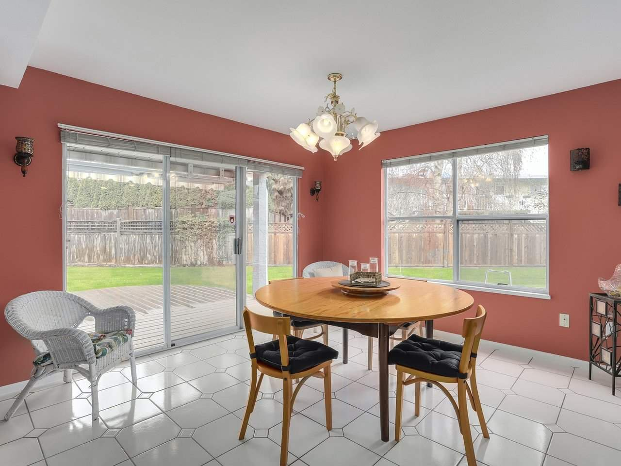 "Photo 8: Photos: 6020 MARTYNIUK Place in Richmond: Woodwards House for sale in ""PARK LANE WEST"" : MLS®# R2255629"