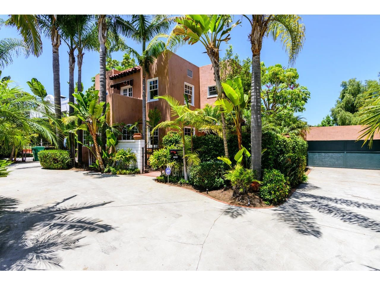 Main Photo: POINT LOMA House for sale : 4 bedrooms : 2808 Chatsworth Blvd in San Diego